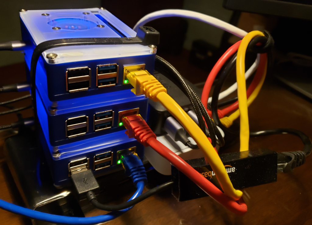An inner bastion as the bottom system of a stack of Raspberry Pi computers
